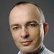 Chefarzt Dr. med. Dipl.-Oec. Erich Hecker
